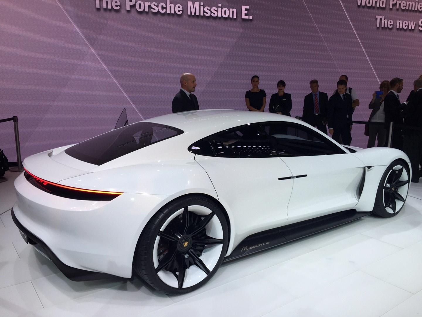 IAA 2015 - Porsche Mission E Concept Car 2